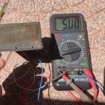 Un piccolo faretto con sensore pir e pannellino fotovoltaico ..